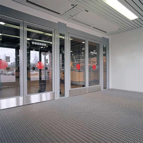 Stecksystem für Gewerbeeingänge - offene Struktur ermöglicht Drainage