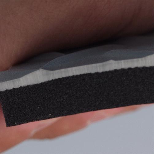 Zweilagige Antiermüdungsmatte mit Deckschicht und Dämpfungsschicht
