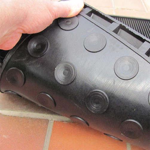 desinfektionsmatte-gummifinger-unterseite-saugnaepfe-1